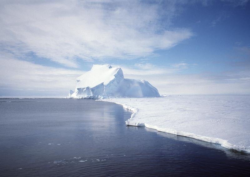 View_of_the_Riiser-Larsen_Ice_Shelf_in_Antarctica (3)